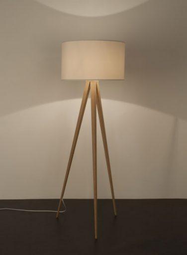 lampada-tripod-wood-black-11