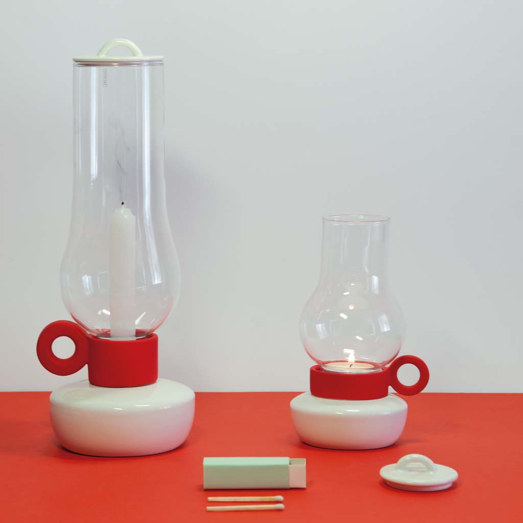Bugia portacandela in porcellana e vetro seletti for Bugia candela