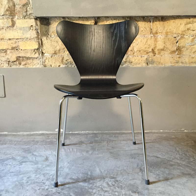 Sedia Serie 7 - Arne Jacobsen, 1955 - Less is More