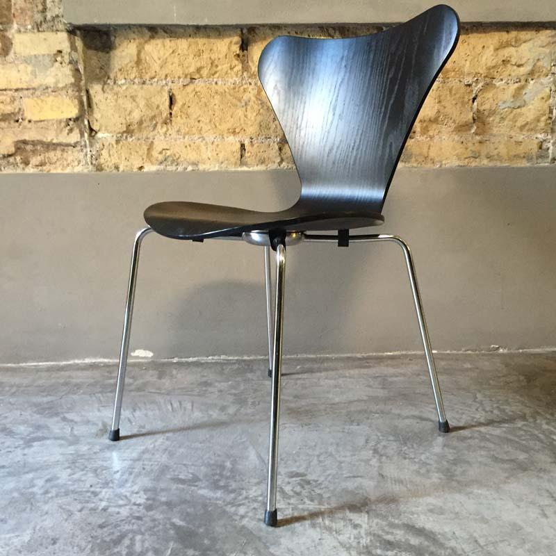 Sedia Serie 7 Arne Jacobsen 1955 Outlet Less Is More